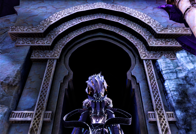 Screenshot of the Commander standing before the entrance of the Tomb of the Primeval Kings